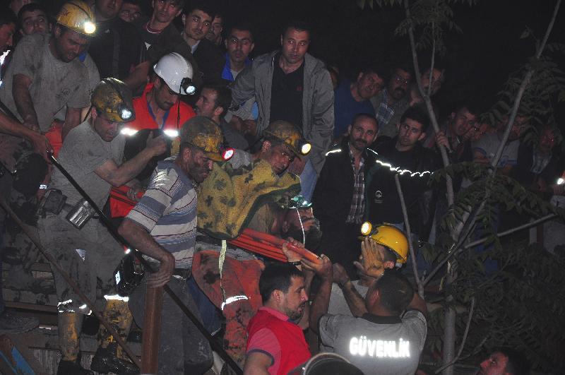 un momento dei soccorsi (Reuters)