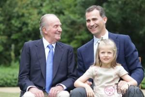 Re Juan Carlos, a sinistra, e il futuro Felipe VI, a destra