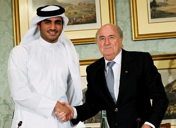 Mohammed bin Hamad al-Thani, presidente comitato promotore Qatar 2022, e Josep Blatter, presidente FIFA
