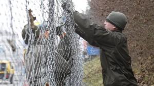 Migranti-lAustria-inizia-i-lavori-per-la-costruzione-di-una-barriera-sul-Brennero-il-Papa-invita-ad-abbattere-i-muri