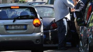 Parcheggiatori abusivi-10