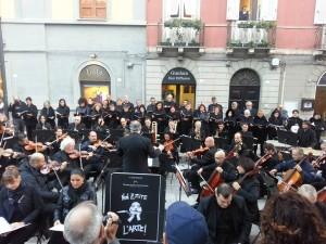 orchestra in strada