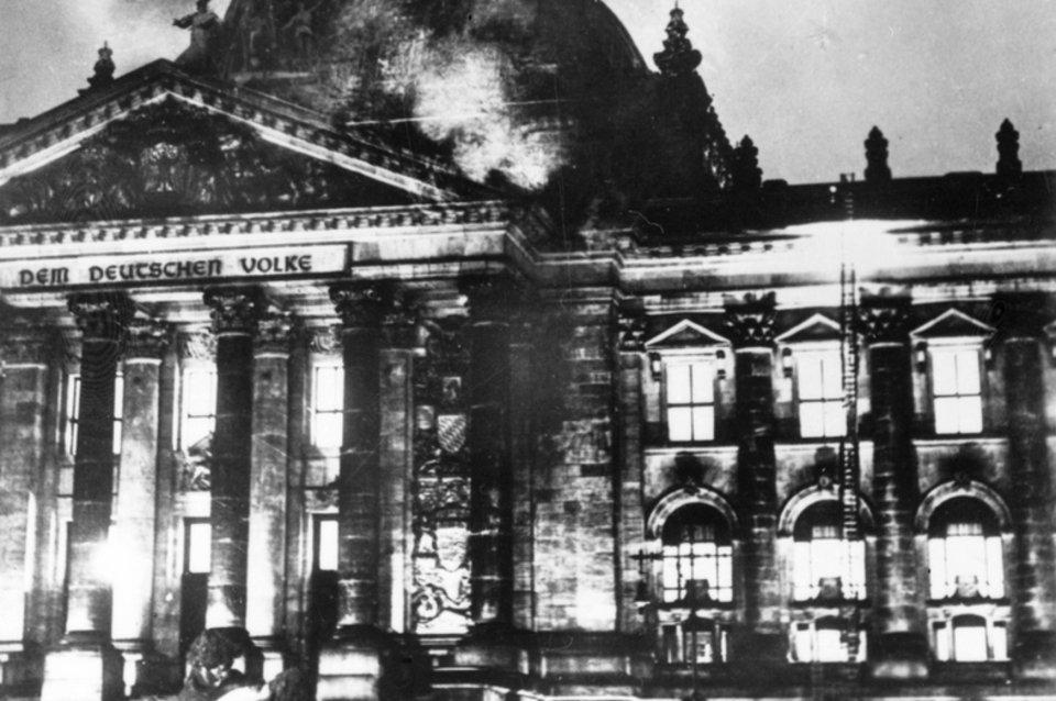 Il Reichstag in fiamme